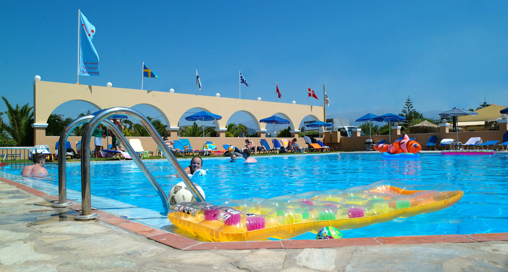 cretasun-slide-pool